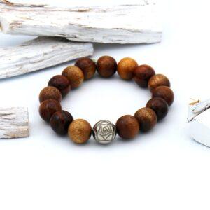 Heren armband gemaakt van grote bruine houten kralen