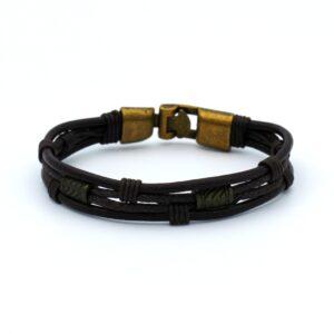Stoere heren armband vervaardigd uit meerdere leren touwen die samenkomen in een gouden sluiting
