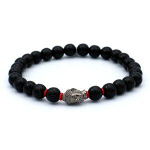Productfoto van ons eigen merk kralen armband voor mannen afgewerkt met een zilveren boeddha hoofd