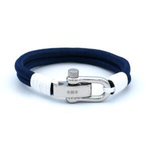 dubbele blauwe touw armband uit de eigen collectie gemaakt van touw en is verstelbaar in maat dankzij de rvs sluiting