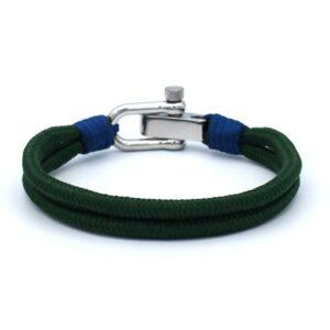 Achterkant van Mannen armband in de kleur dennengroen. Gemaakt van touw en afgemaakt met een roestvrij stalen sluiting. Hippe zomerse armband.